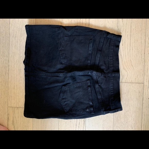 Madewell Dresses & Skirts - Madewell black denim skirt.